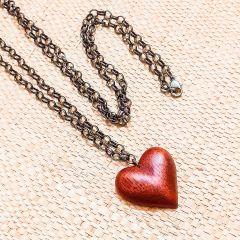 colar coração madeira