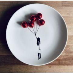 prato menina balões