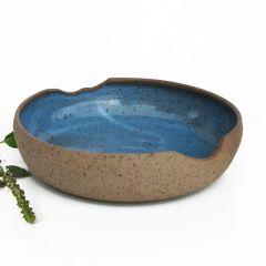 tigela azul em cerâmica