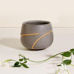 copo em cerâmica artesanal, ideal para chás e cappucinos.